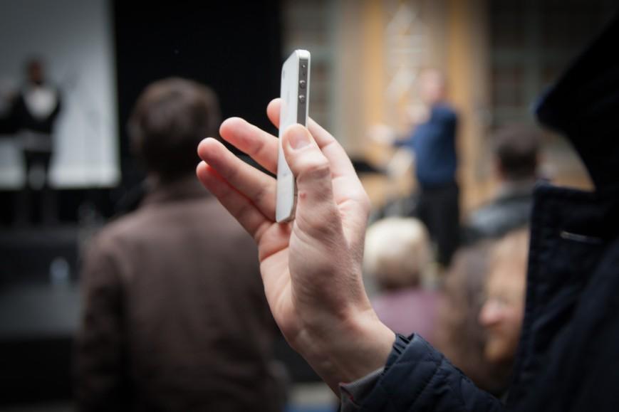 Dans le cadre de la Biennale Musique en Scène 2014 - Concert Participatif pour téléphones portables avec Emmanuel Scappa (batterie), Christian Laborie (clarinette) et Laure Beretti (harpe) - Xavier Garcia (live électronique) - Christophe Lebreton (dé